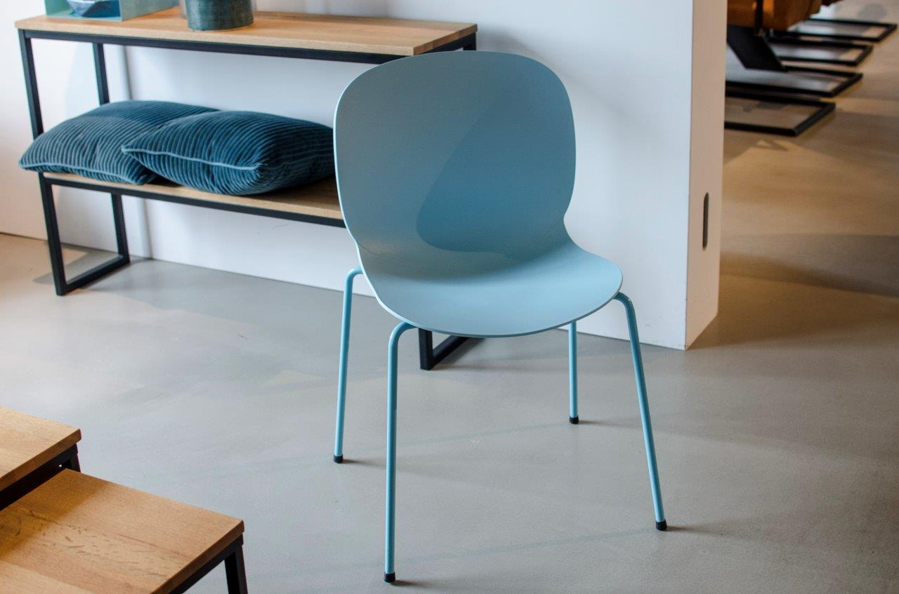 Stuhlgruppe Kunststoff1